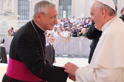 Mons. Santoro invita a pregare i cristiani perseguitati, accogliendo l'esortazione di Papa Francesco