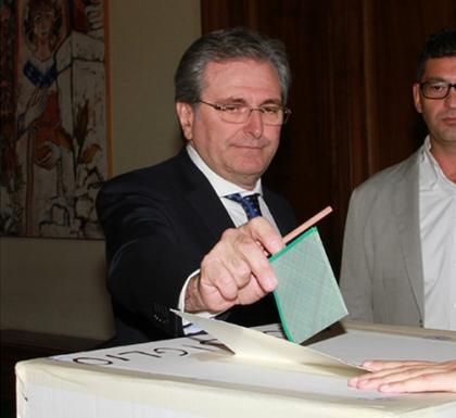 Elezioni provinciali, si vota oggi per eleggere il Presidente. Tamburrano (Forza Italia) e Lopane (Pd) i candidati