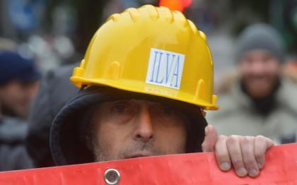 Gli industriali dell' indotto ILVA di Taranto protestano a Palazzo Chigi