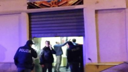 A Taranto si continua a sparare colpi di pistola . In corso una guerra fra bande ?