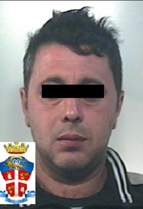 Evaso dalla detenzione domiciliare, viene arrestato in flagranza  di reato.