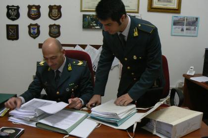 Sequestrati dalla Guardia di Finanza automezzi e disponibilità finanziarie per 135mila euro