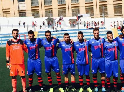 Il Taranto pareggia a Manfredonia, è secondo in classifica. Ora si giocano i playoff.