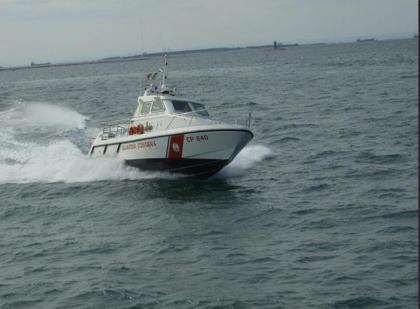 La Guardia Costiera salva una barca alla deriva con 3 persone a bordo