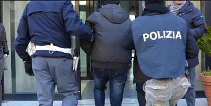 Retata antidroga  a Taranto della Direzione Antimafia di Lecce. 5 arrestati dalla Polizia