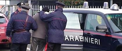 Due tarantini arrestati per furto aggravato nella Direzione Munizionamento della Marina Militare.