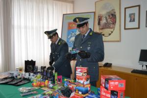 La Guardia di Finanza sequestra materiale contraffatti e nocivi alla salute