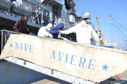 Oltre 700 migranti soccorsi dalla Marina Militare