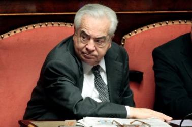 L'ex senatore Giuseppe Ciarrapico ( PdL) condannato a 5 anni di reclusione