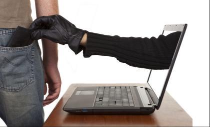 Ecco come salvarsi dalle truffe con Bancomat e carte di credito anche sul web