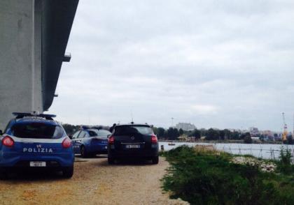 Suicidio sul ponte Punta Penna a Taranto