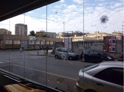 A Taranto sparati a capodanno colpi di pistola contro le vetrine di tre negozi. Indagini dei Carabinieri