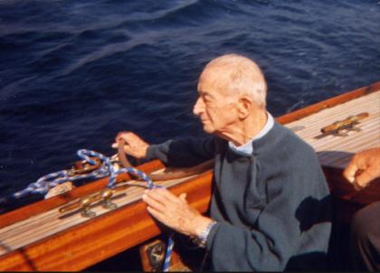 Le imprese impossibili dell' Ammiraglio Straulino. Il passaggio a vela della Vespucci sotto il ponte girevole