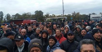 lLVA. Lo sciopero ed il corteo di Taranto: ma contro chi manifestavano ? Erano tutti lì !