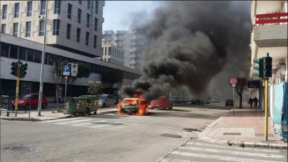 Incendiata auto di fronte al Palazzo di Giustizia.  Ma a Taranto esiste un Prefetto ?
