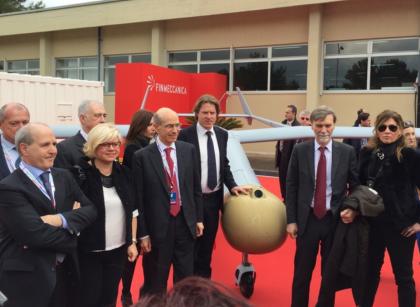 """Grottaglie diventerà la """"capitale"""" dei droni. Lanciato il nuovo polo con il Ministro Delrio"""