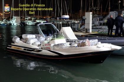 La Guardia di Finanza sequestra a Bari droga per 7 milioni di euro