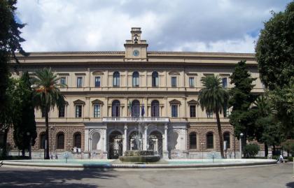 Professore di giurisprudenza a Bari condannata. E tira in ballo l'ex presidente dell' Ordine Avvocati di Taranto