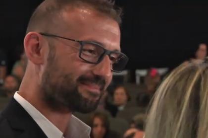 """La prima uscita """"pubblica"""" a Bari del marò Salvatore Girone :  la recita della figlia"""