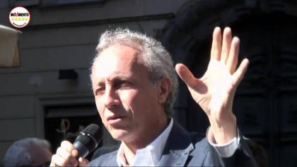 """Per difendere la Muraro Marco Travaglio ora è diventato """"garantista""""….."""