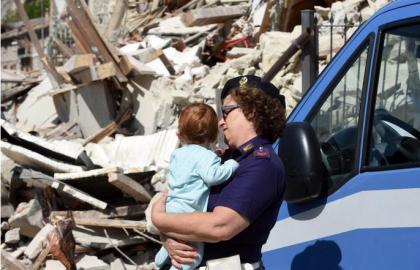 CdG terremoto polizia