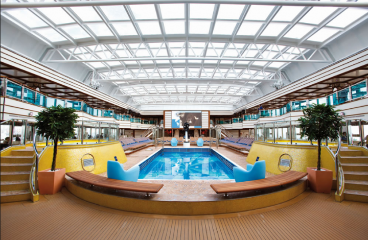 nella foto la mini-piscina per i sindacalisti UIL sulla Costa Deliziosa