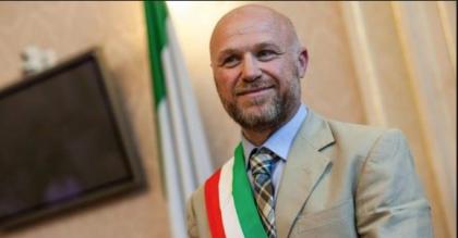 """Livorno:il sindaco """"grillino"""" Nogarin indagato per abuso d'ufficio"""