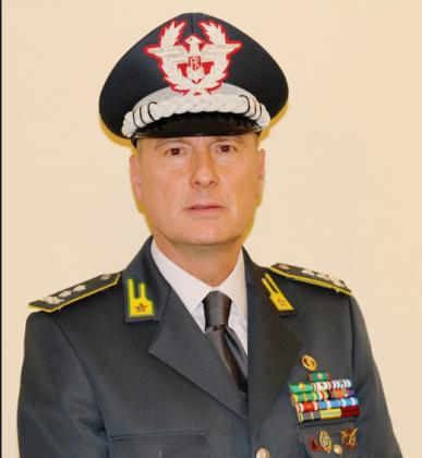 nella foto il Gen. Div. Vito Augelli