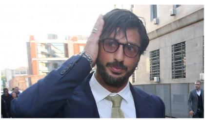 """Fabrizio Corona, conferma del Riesame: """"Resta in carcere"""". Abbandona la sua difesa anche un legale di Berlusconi"""
