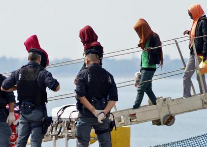 CdG soccorsi PS sbarco migranti
