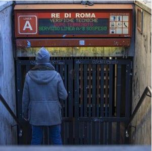 CdG metro roma chiusa