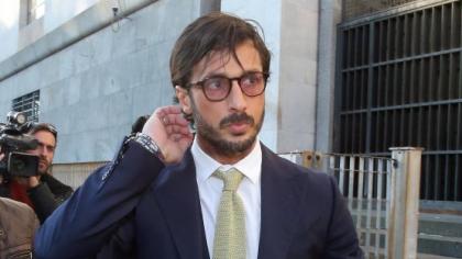 Fabrizio Corona  passerà un anno in più di carcere. Revocato l'affidamento ai servizi sociali