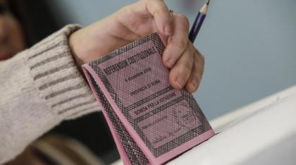 """Come """"avvelenare"""" il voto: la psicosi della matite cancellabili. Il Viminale: """"Indelebili sulle schede"""""""
