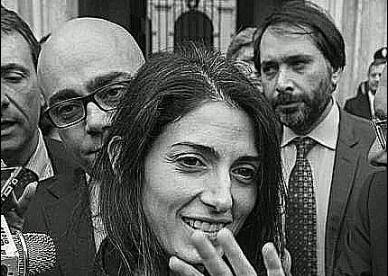Saviano: Virginia Raggi e il dovere del passo indietro