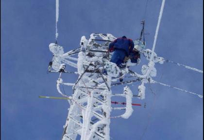 L'intervento eroico fra la neve dei tecnici Enel in Puglia