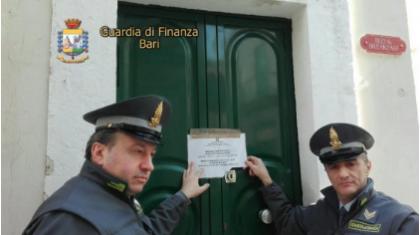 """Operazione """"Bed&Sex"""". Sequestrato bed&breakfast, era una casa di appuntamenti.  Arrestate due persone per favoreggiamento della prostituzione"""