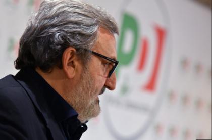 Il fascicolo sui finanziamenti illeciti a Emiliano va alla Procura di Torino