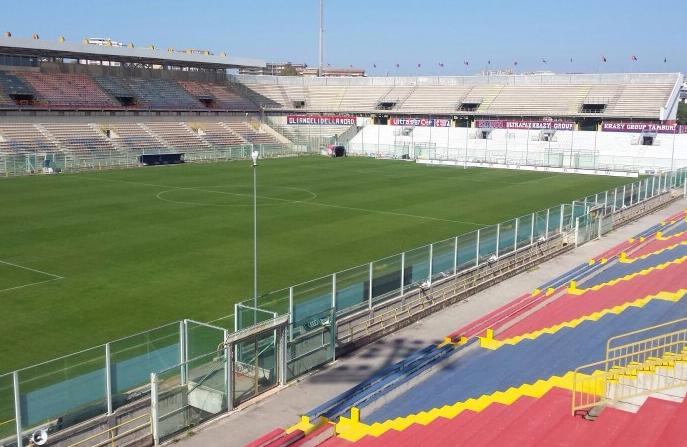 Lega Pro, uomini incappucciati aggrediscono il Taranto durante l'allenamento