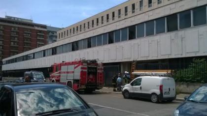 Taranto. Momenti di paura a Palazzo di Giustizia per la caduta di un fulmine