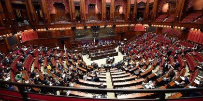 """Il """"Rosatellum"""" passa al Senato tra proteste. Maggioranza su tutte e cinque le fiducie."""