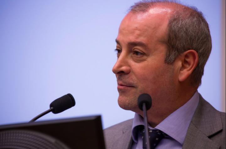 Inchiesta Iene denuncia Parentopoli. Sottogretario Rossi rimette deleghe