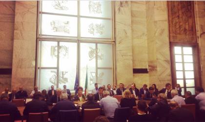 Calenda: tempi stretti su Ilva. Dal Tavolo importante decisione di avanzare con negoziato dal 4 aprile