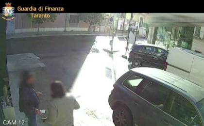 Arrestati due usurai a Taranto. Avevano usurato un assicuratore applicando tassi del 3.600 per cento