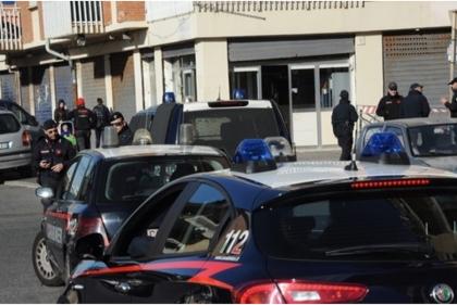Ostia, blitz delle forze dell'ordine alla ricerca di armi e droga