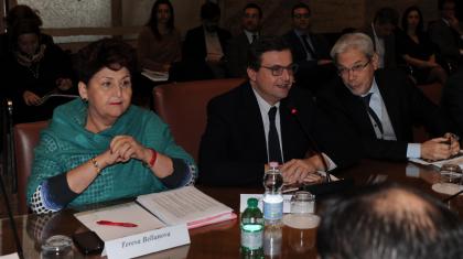 """""""Rinunciate al ricorso sull' Ilva di Taranto"""":  il MISE invia protocollo d'intesa a Regione e Comune"""