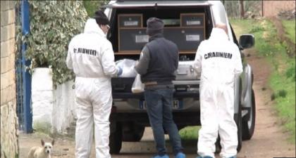 45enne ucciso  nella sua villa con una coltellata alla gola