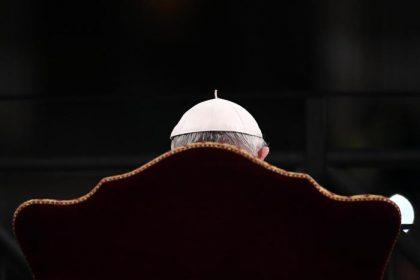 """Papa Francesco alla via Crucis: """"Sfidiamo le coscienze addormentate"""""""