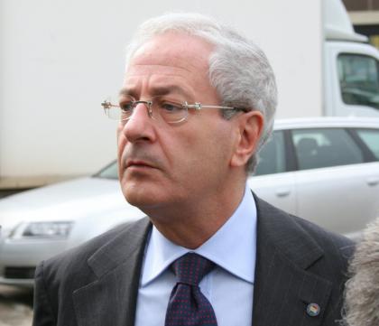 Tessere false Pdl Bari, l'ex senatore Luigi D'Ambrosio Lettieri fra i cinque condannati.