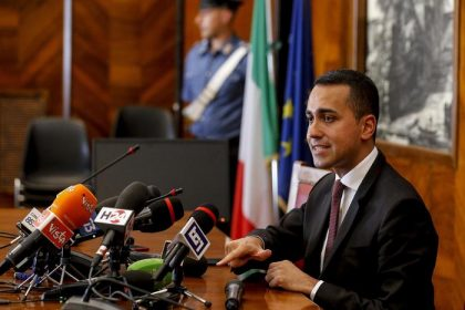 Ilva, è il giorno del maxi tavolo: a Roma 62 delegazioni
