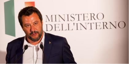 """Matteo Salvini indagato dalla procura di Agrigento, sfida i magistrati: """"Possono arrestarmi ma non fermeranno il cambiamento"""""""